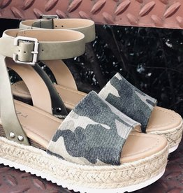 soda Camo Sandal