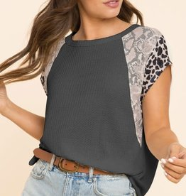 All In the Details Sleeve Top