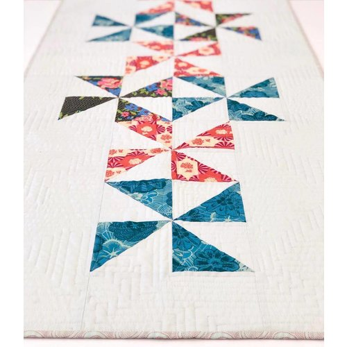 Sample - Pinwheel Table Runner