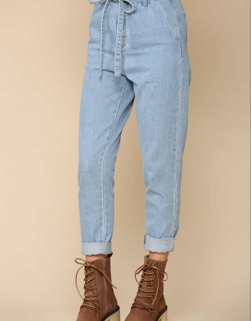 Highwaist Mom Jean w/ Belt
