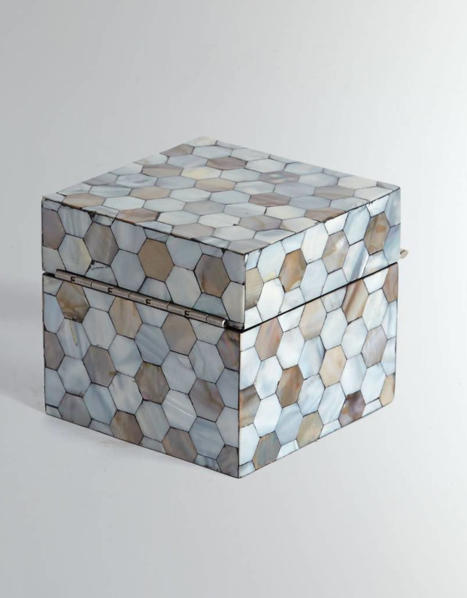 Global Views Mother of Pearl Box