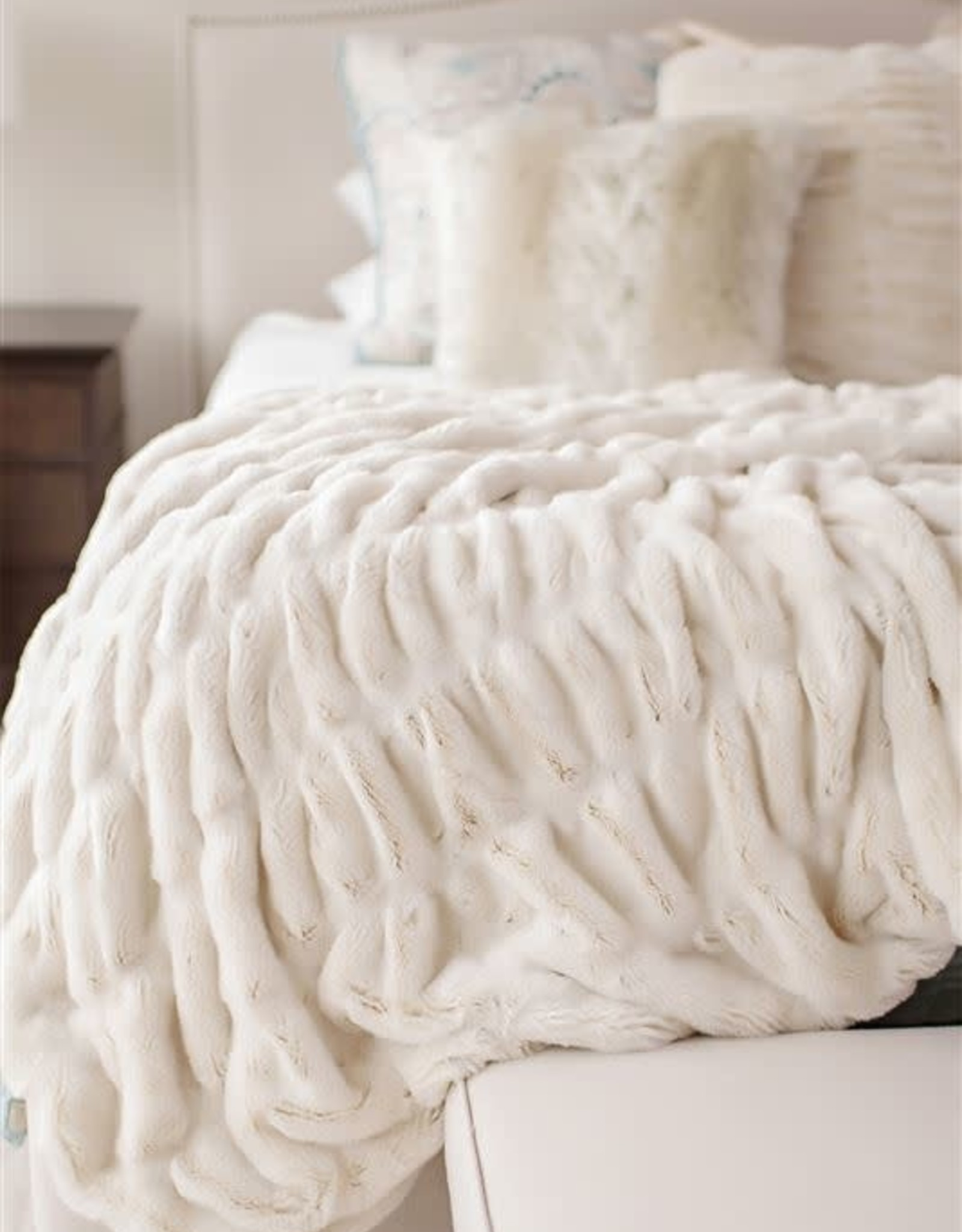 Fabulous Furs Couture Throw Ivory Mink 60x72