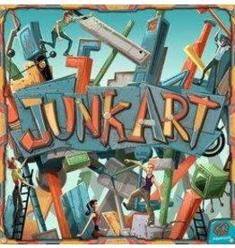 Pretzel Games JUNK ART: PLASTIC