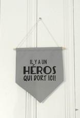 MLaure Fanion décoratif - Héros