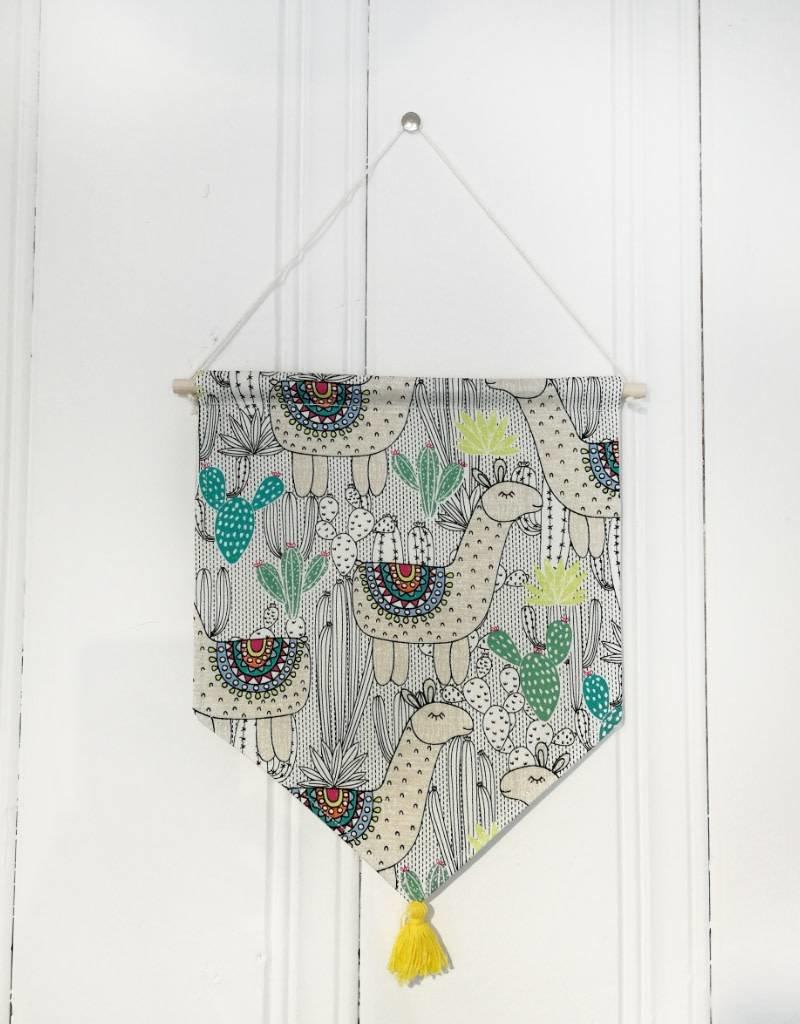 MLaure Decorative banner - Llama with yellow pom pom