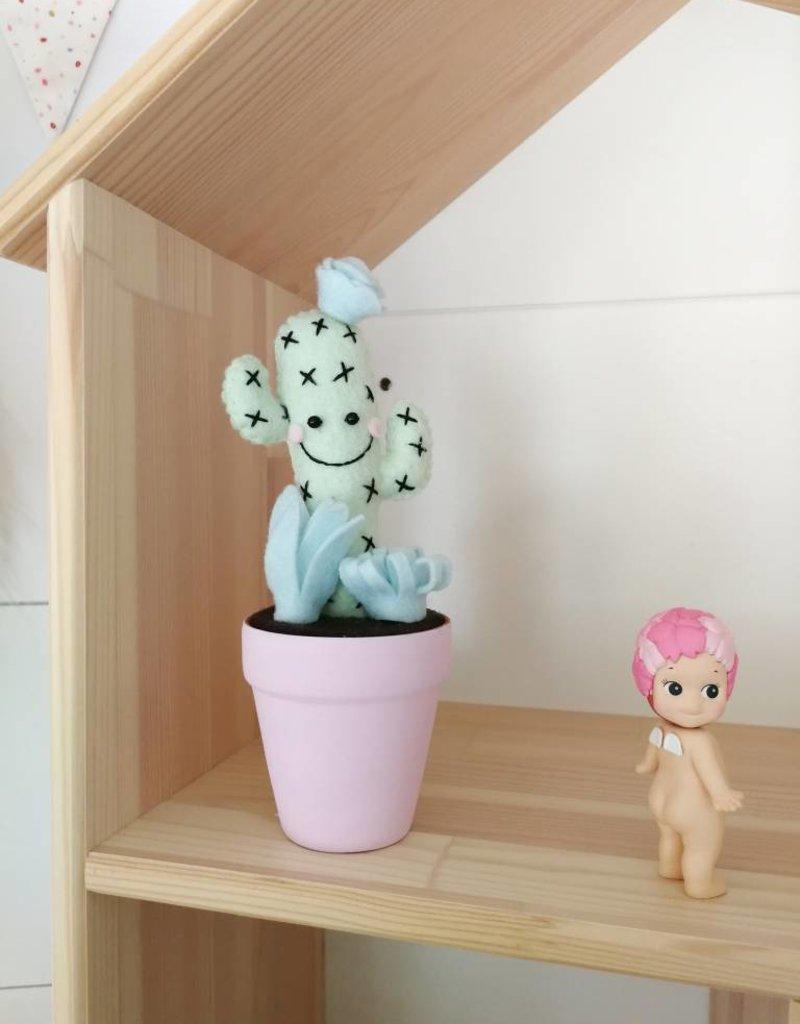 Pink Clémentine Cactus en feutrine - menthe avec croix et rose pâle