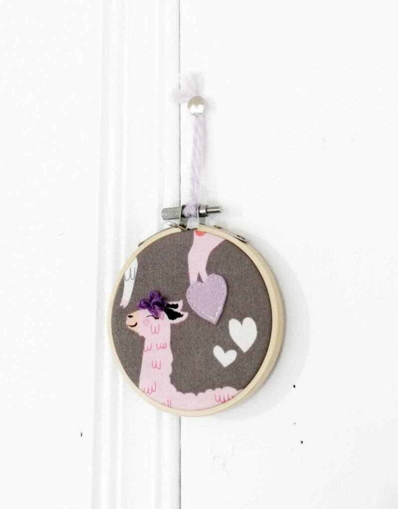 Créations Mirepoix Wall decoration - Llama purple - 3 inches