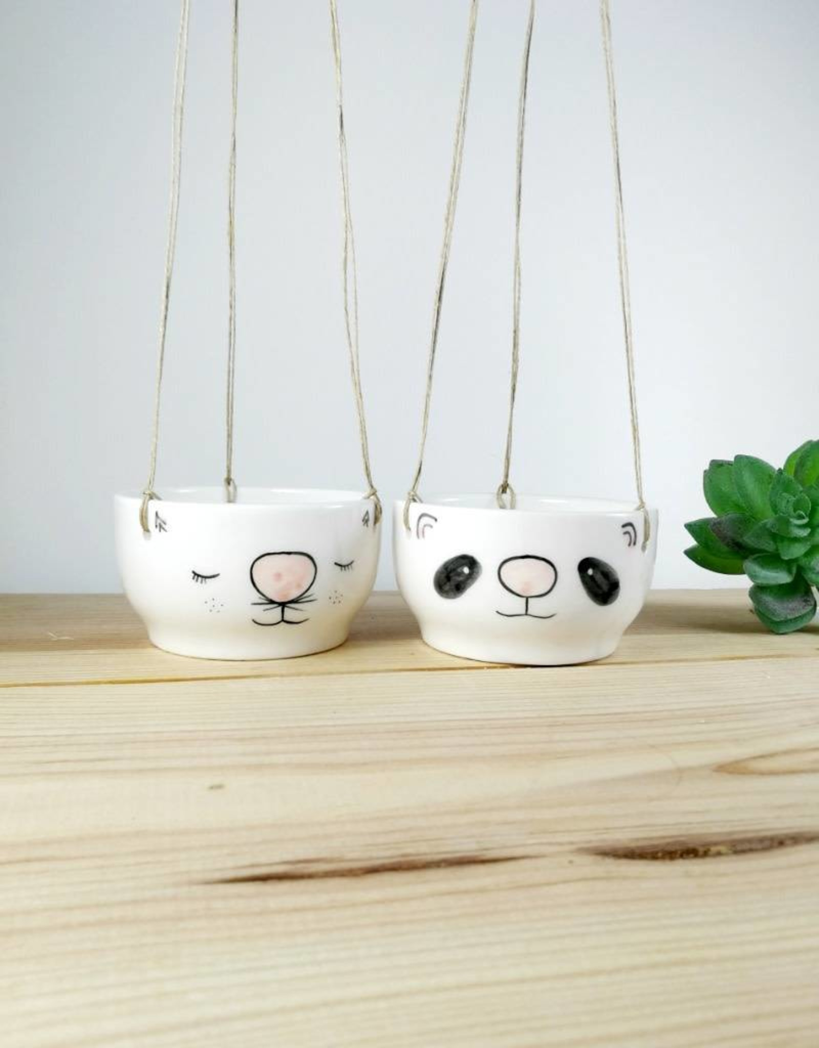 Noe Marin Ceramiste Céramique - pot suspendu pour plante - Chat