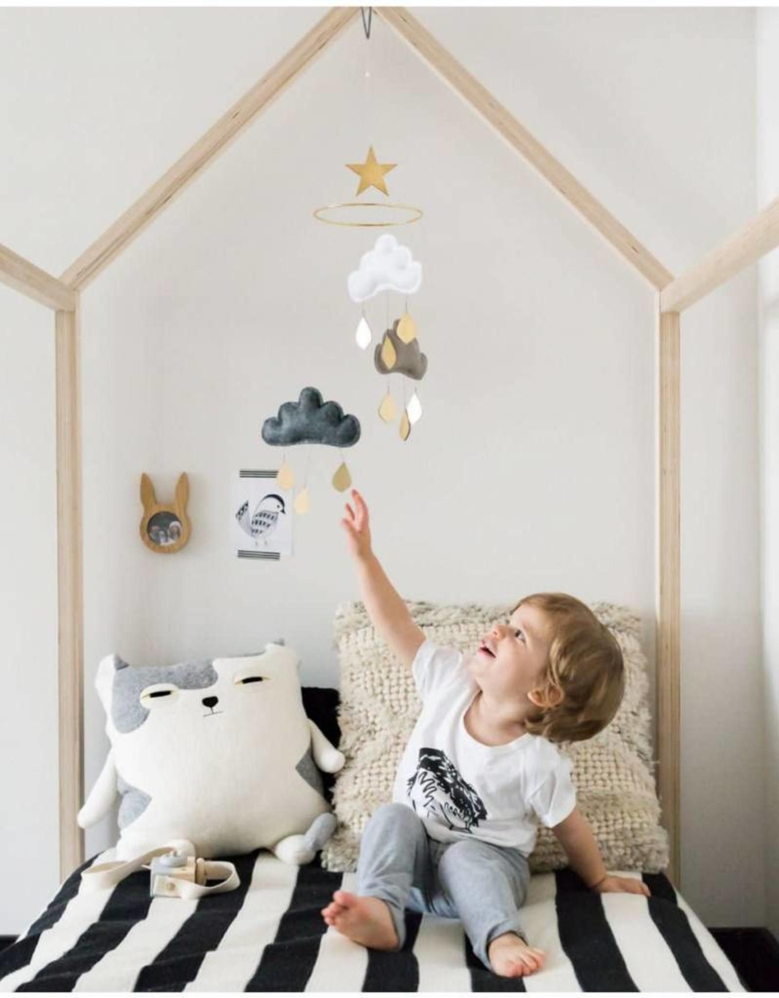 The Butter Flying Mobile nuages et gouttes de pluie - Modèle Irina