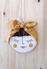 Ale Hoop Décoration murale - La jolie brunette