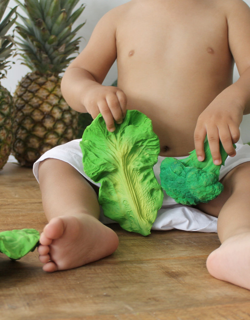 Oli & Carol Natural rubber teether - Kendall the Kale