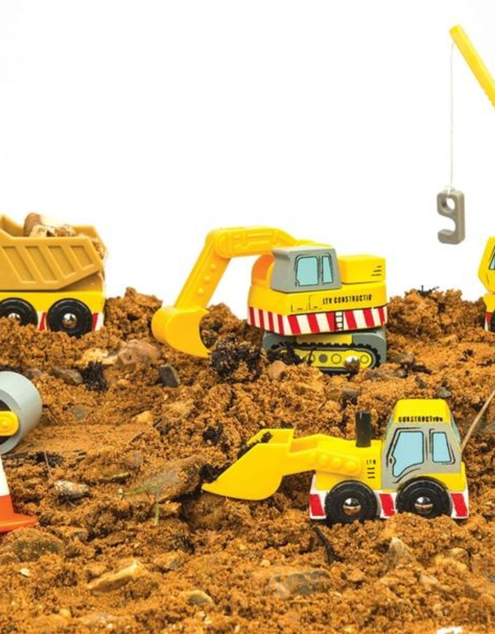 Le Toy Van Set of construction trucks