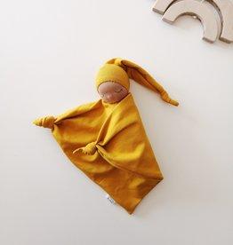 Comfrey & Clary Bébé endormi waldorf - Coton de bambou - Moutarde