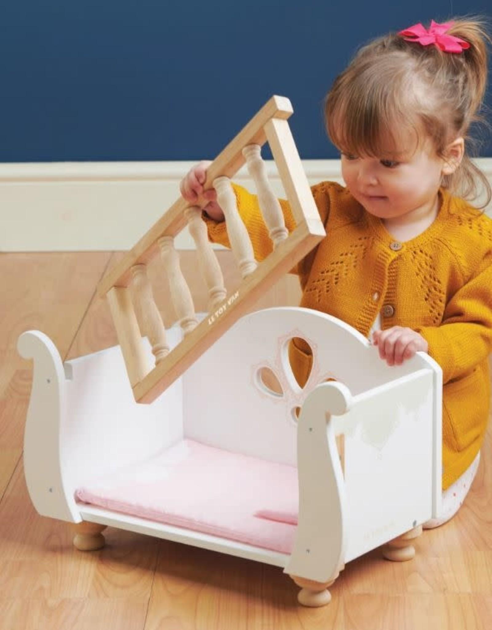Le Toy Van Lit à barreaux en bois pour poupée