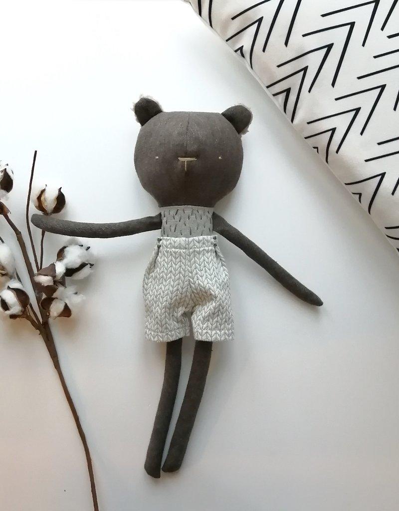 Kiou Kiout Badger plush with short