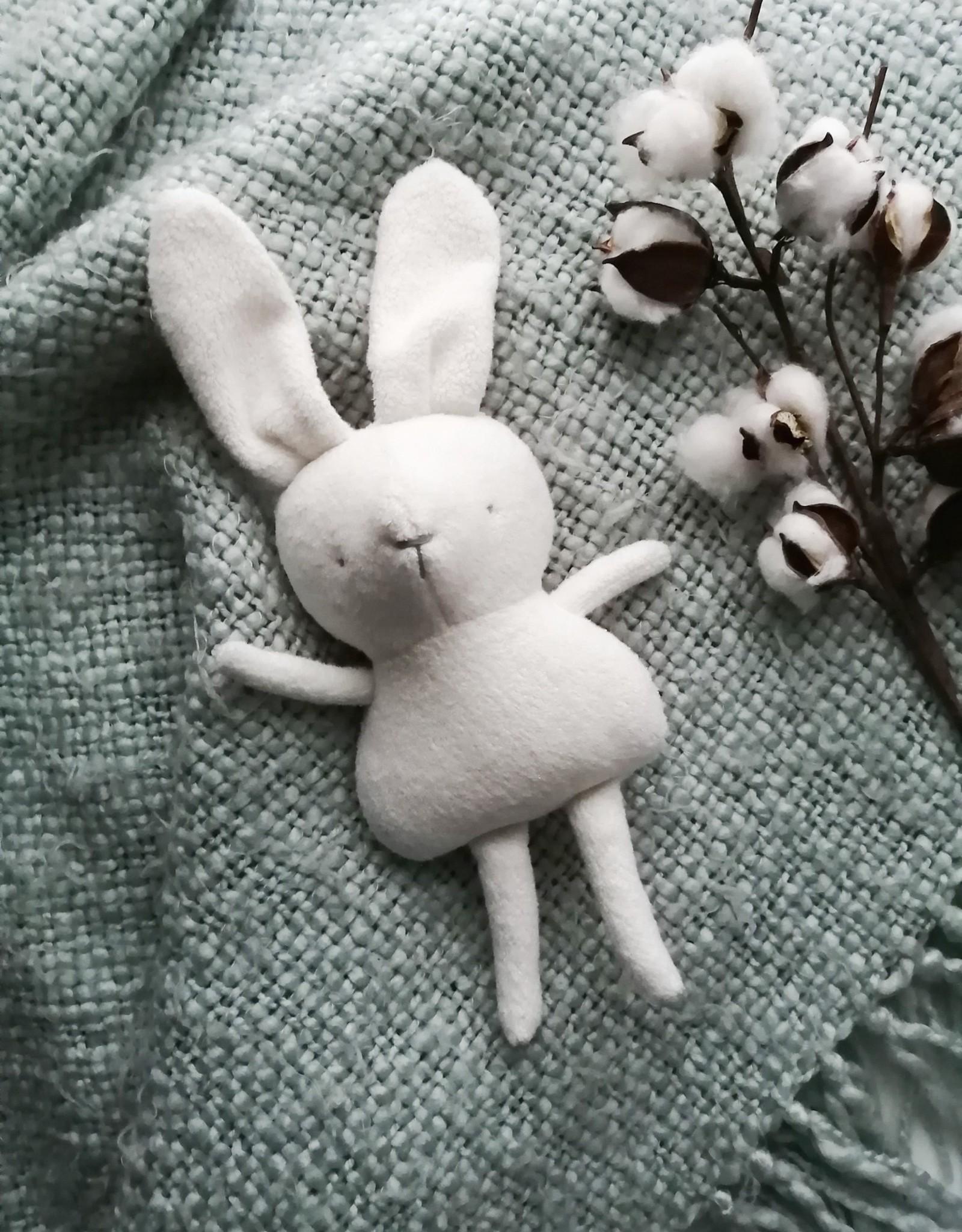 Kiou Kiout Baby white bunny