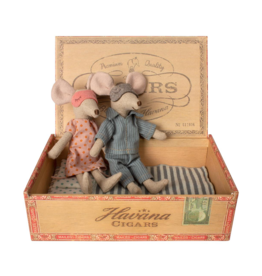 Maileg Mom and dad mouse in a cigar box