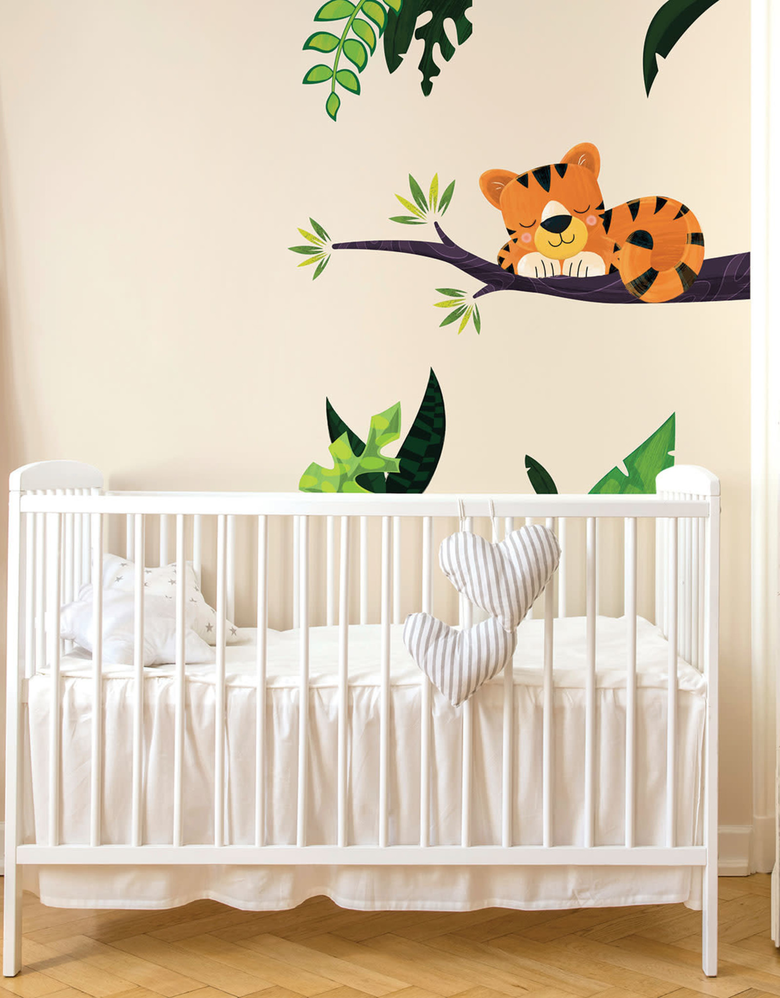 Veille sur toi Wall decal - Charlie the tiger