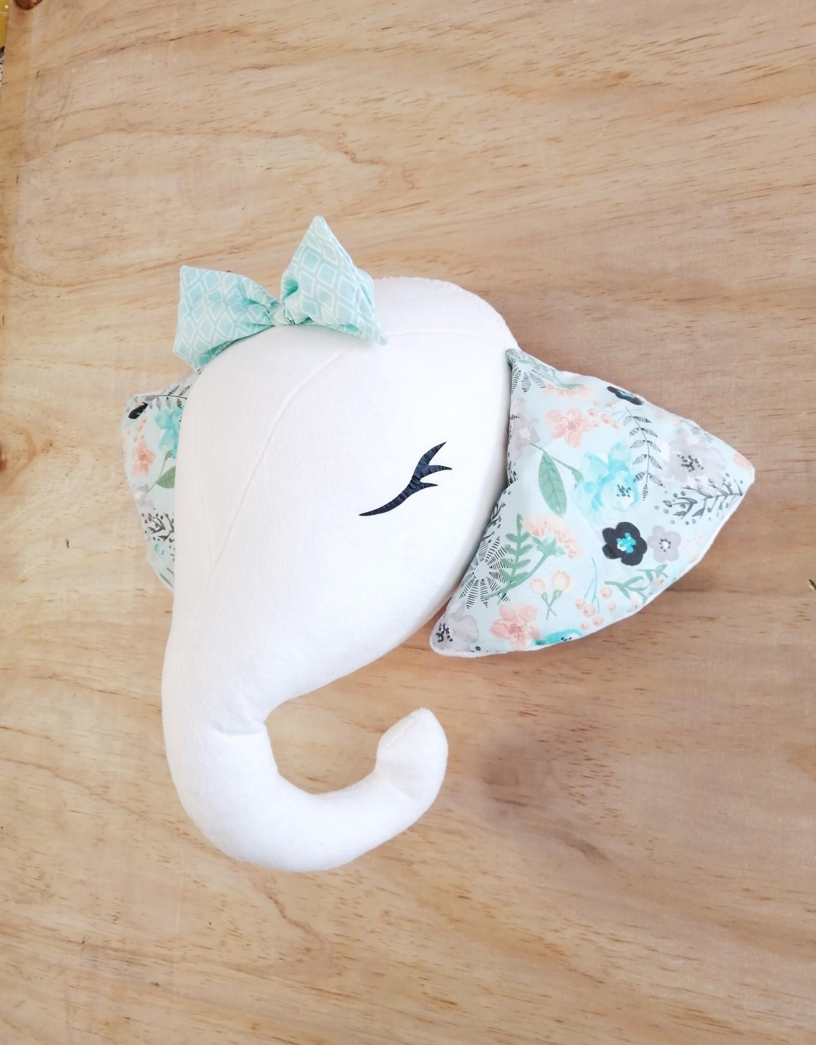 La petite renarde Wall hanging : Elephant with teal ears