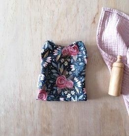 Paola Reina Robe pour poupée Paola Reina - Marine et grosses fleurs roses