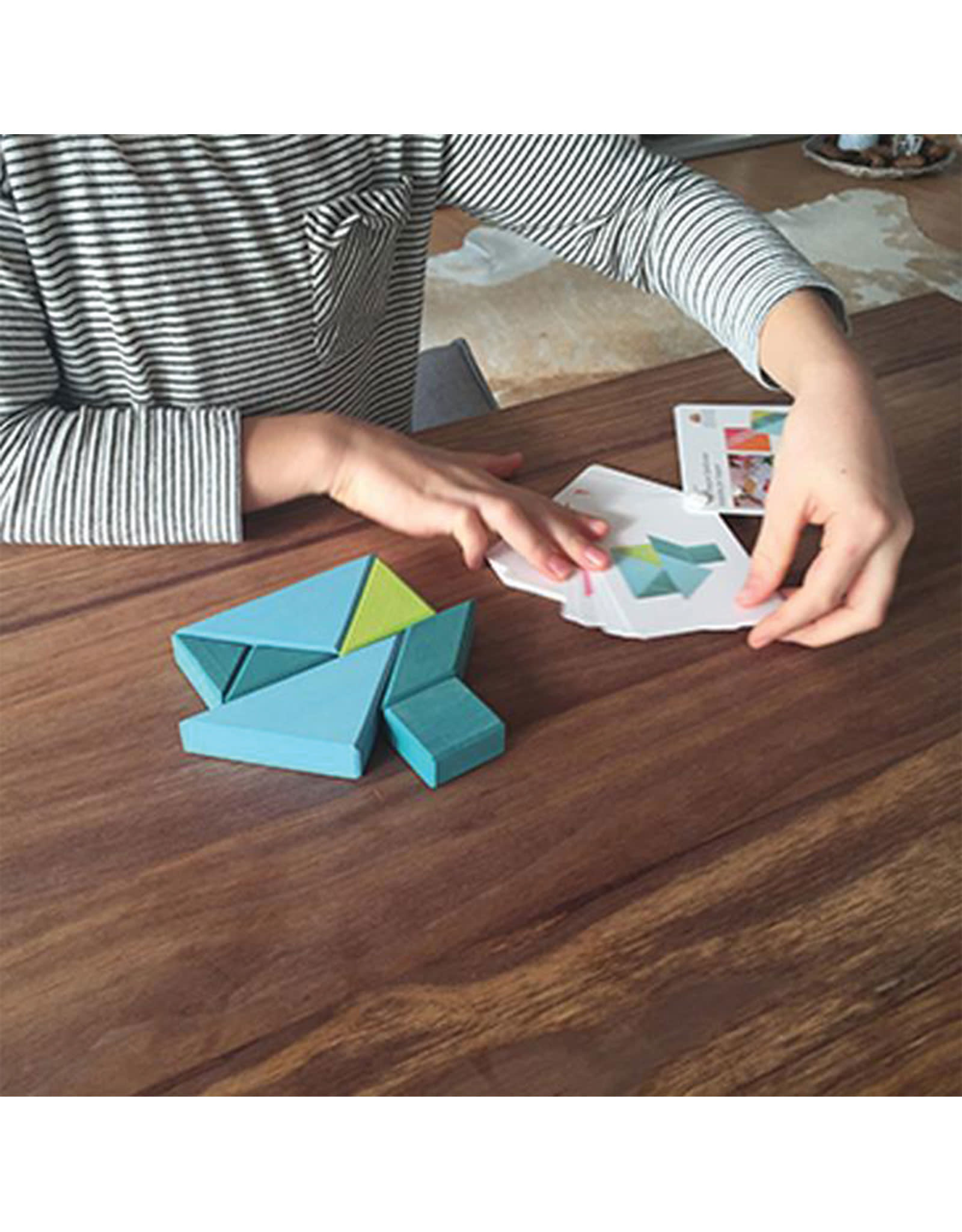 Grimm's Tangram Puzzle Bleu and Green