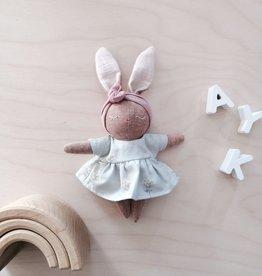 Mes petites lunes Mini Poupée-Peluche -Lapine endormie avec robe sauge