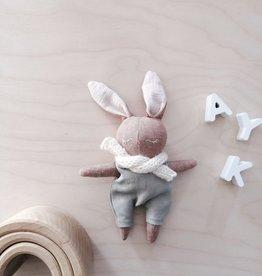 Mes petites lunes Mini Poupée-Peluche -Lapin endormi avec salopette sauge et foulard