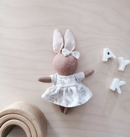 Mes petites lunes Mini Poupée-Peluche -Lapine endormie avec robe blanche fleurie