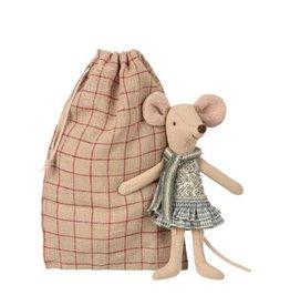 Maileg Grande soeur souris d'hiver et son sac