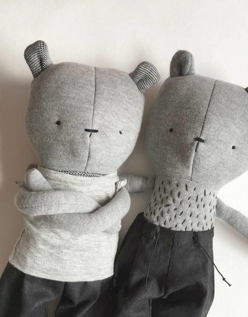 Kiou Kiout Plus - grey bear with t-shirtPlush - Bear with t-shirt