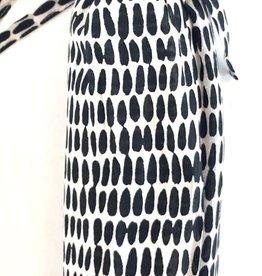 See Design - Sarongs - Seeds - Black