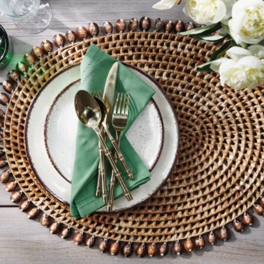 Bondi Round Placemat Natural Cowrie Shell/Brown Pandan Leaf Oval