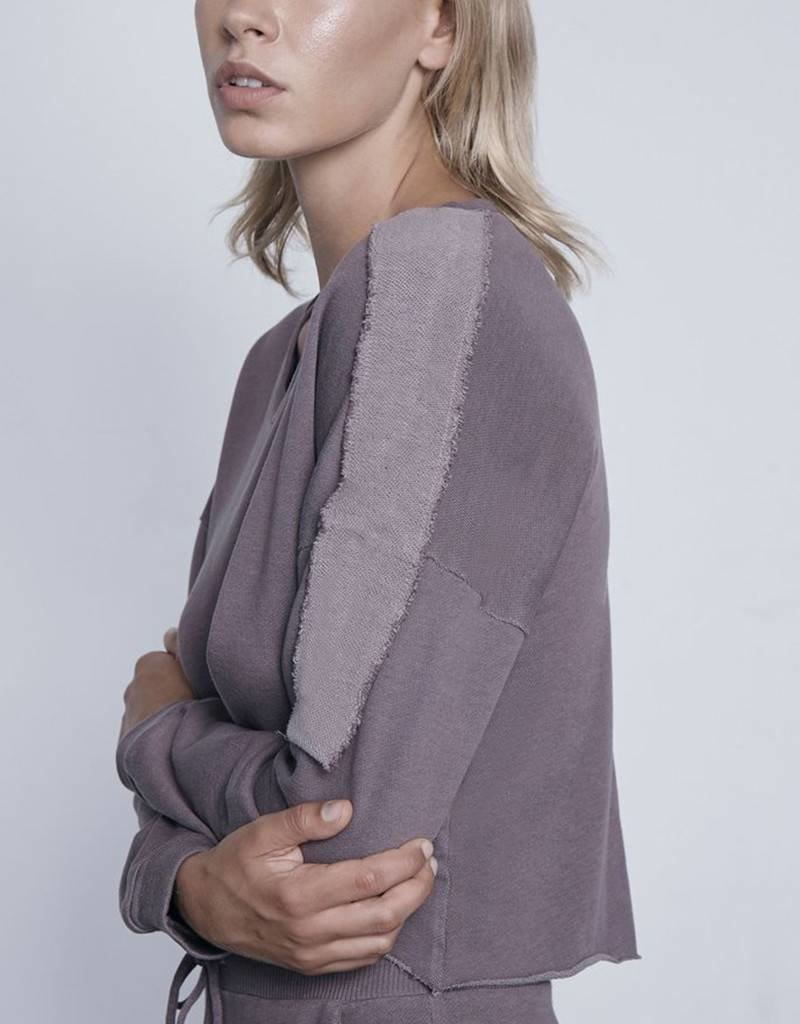 LANSTON CONTRAST PATCH CROPPED PULLOVER