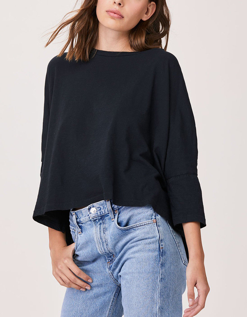 LNA ESSENTIAL CAPE TEE