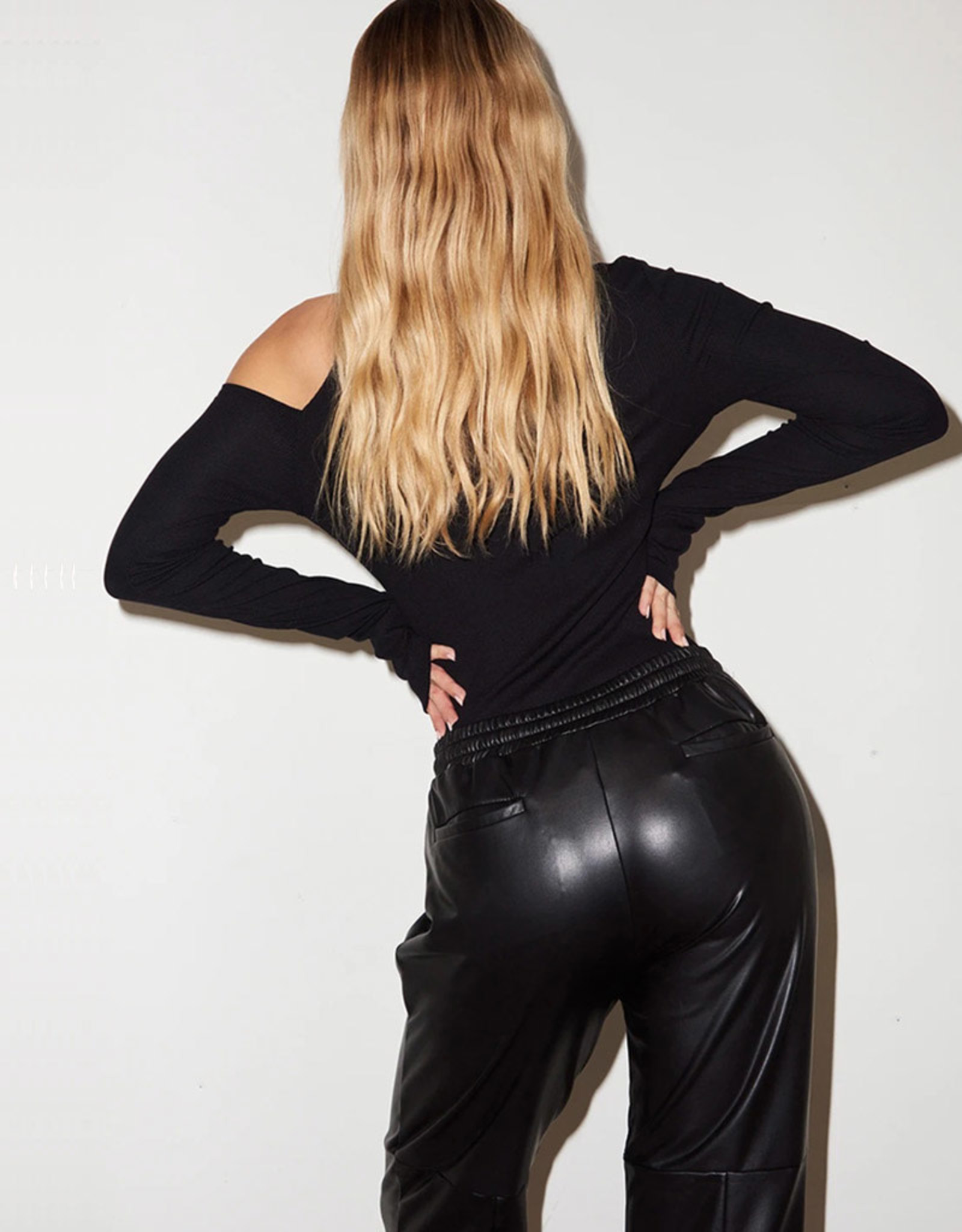 LNA FAUX LEATHER PULL ON PANT