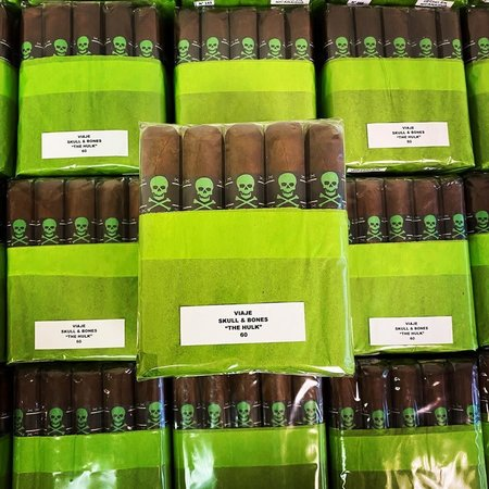 Viaje Viaje Skull and Bones The Hulk 60 5.25x60 2020 Box of 25