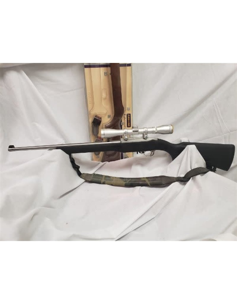 Ruger .22LR  10/22  w/ Brand New Wood Stock, 2 mags, and Simmons 4x32