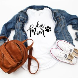 Top Crate - Dog Mom T Shirt Large