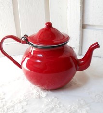 Urban Style Enamel Teapot - Red
