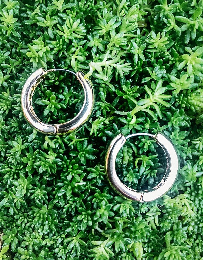 Colette Medium Huggie Hoop Earring Gold