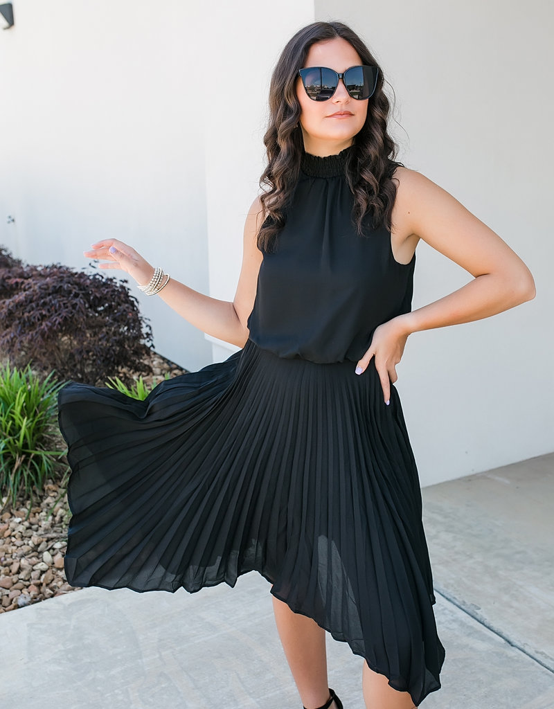 Black Sleeveles Smocked Woven Dress w/ Handkerchief Hem