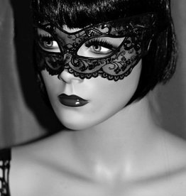 KVD Paris Latex And Lace Eye Mask