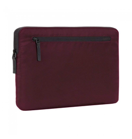 Incase Compact Sleeve in Flight Nylon for 15-inch MacBook Pro (USB-C) - Mulberry