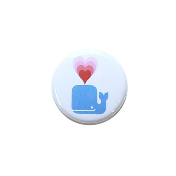 Daytrip Society Whale Love Button