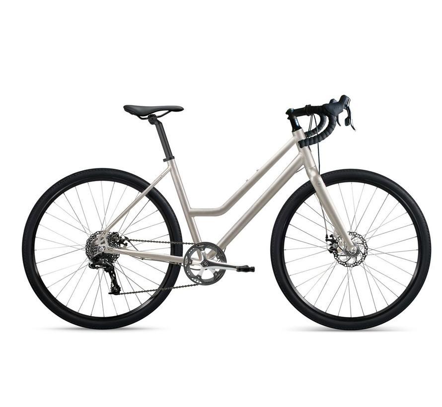 roll: AR:1 Adventure Road Step-Through City Bike