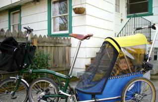 Brompton hauling a kids' trailer