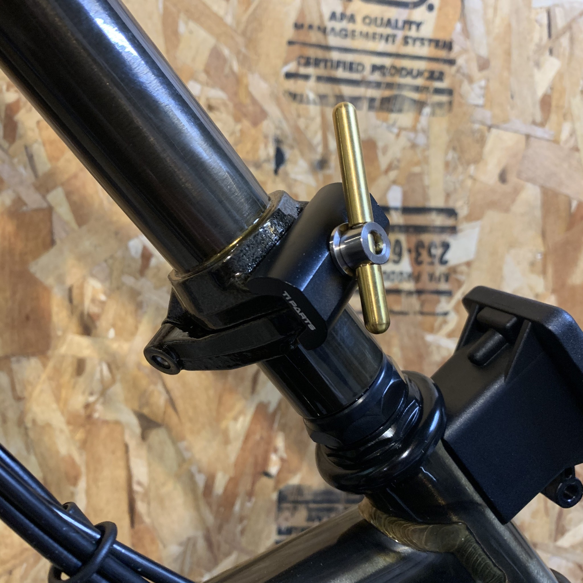 Ti Parts Workshop Carbon//Titanium Hinge Clamp Levers Black for Brompton Bicycle