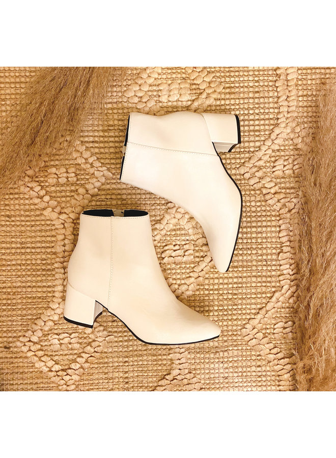 BRITTNAY POINTY TOE BOOTIES