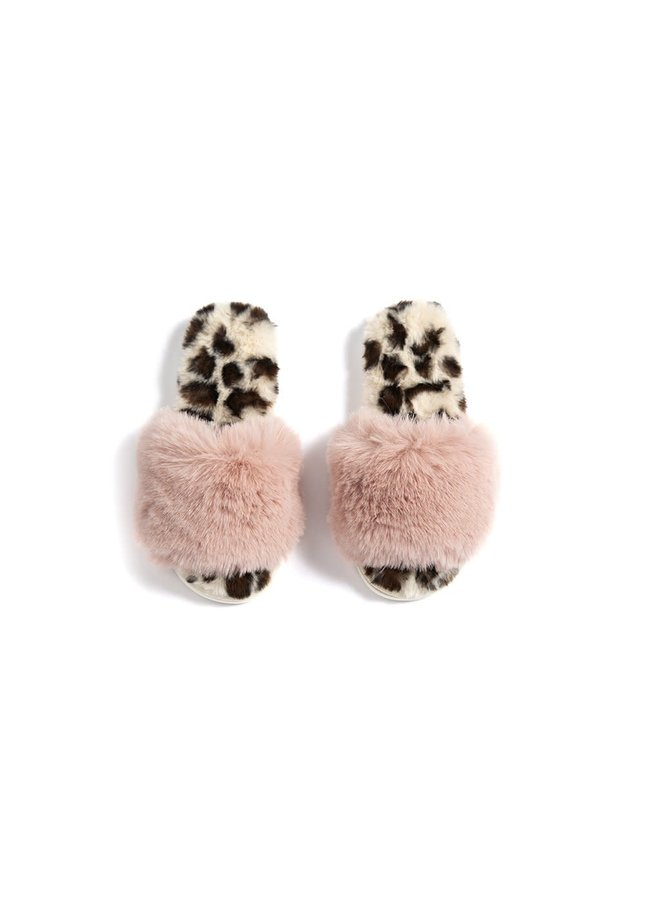 VAIL FUZZY SLIPPERS