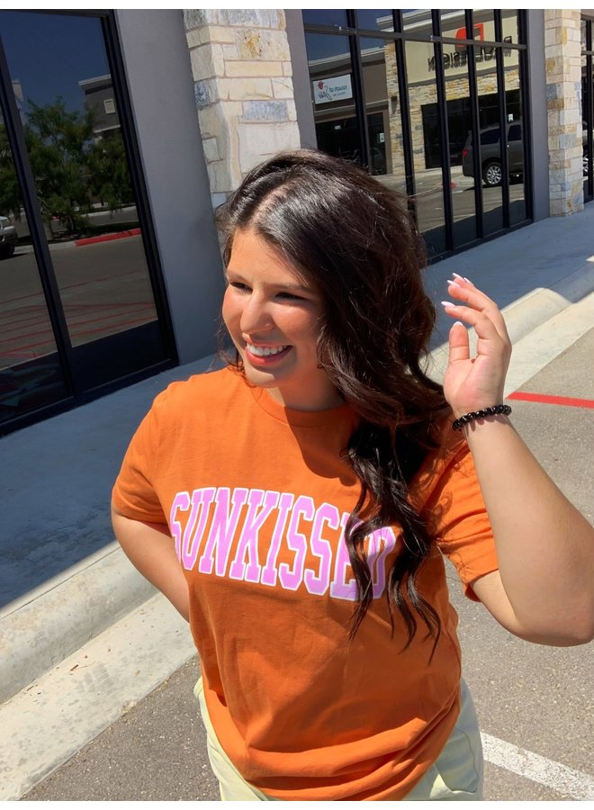 VARSITY LETTER SUNKISSED GRAPHIC TEE